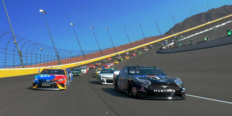 Kevin Harvick leads the field to pace lap prior to the NASCAR Cup Series South Point 400 at Las Vegas Motor