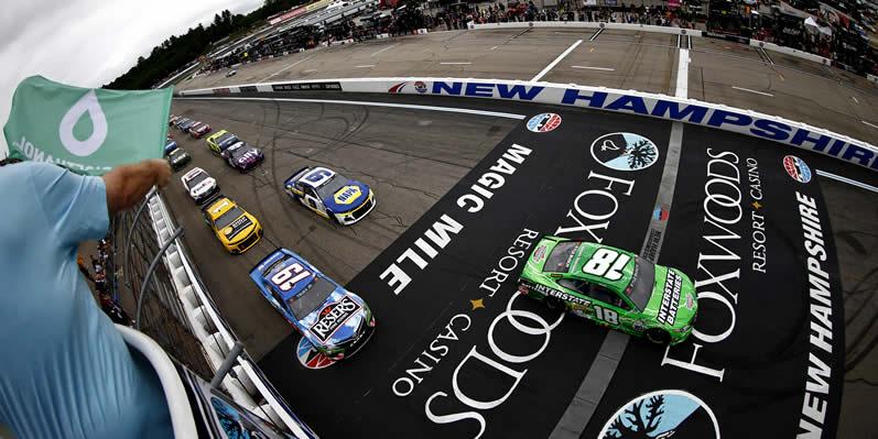 Kyle Busch leads Martin Truex Jr at New Hampshire Motor Speedway